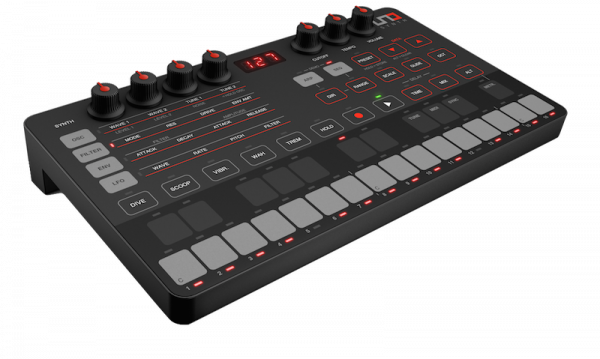 IK UNO SYNTH ANALOGICO